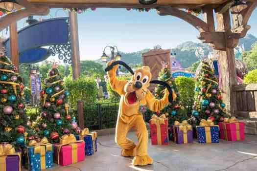 Pluto-at-Hong-Kong-Disneyland