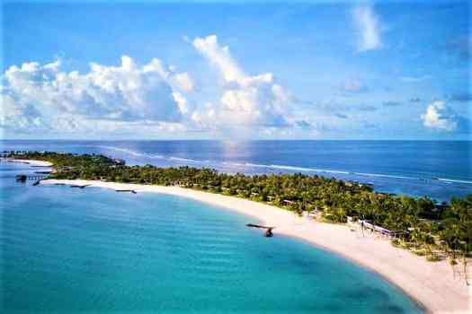 grand-beach-Maldives-Ritz-Carlton Fari-Islands