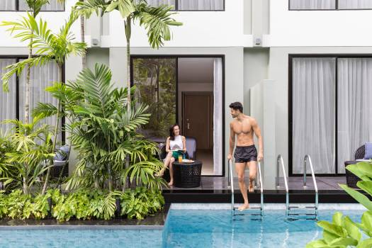 pool-access-room