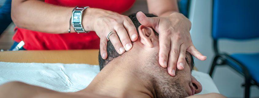 Neck Pain Chiropractor Treatment