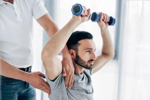 chiropractor-shoulder-Chiropractic Chiropractor Salem