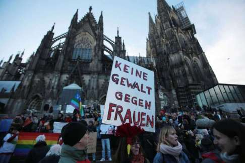 37138575_-_09_01_2016_-_epaselect_germany_cologne_protest_sex_attacks