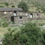 Acción Sierra Nevada dona una ventana para los Cortijos del Hornillo