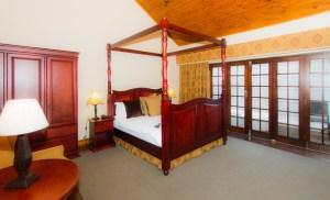 Audacia Manor - Coach House Rooms