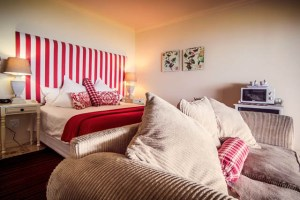 305 guest house bedrooms