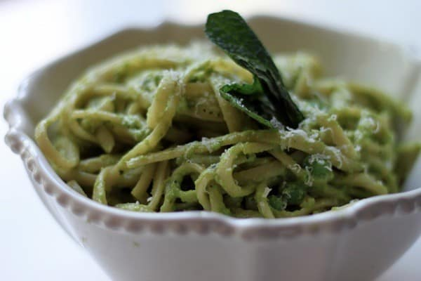 Mint pea pesto linguine09