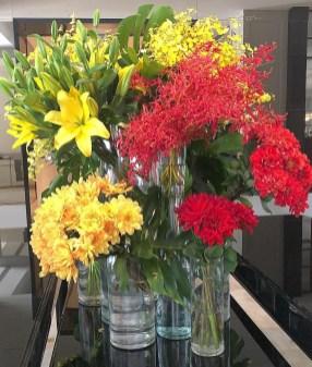 Flowers in Vases –zastavki.com