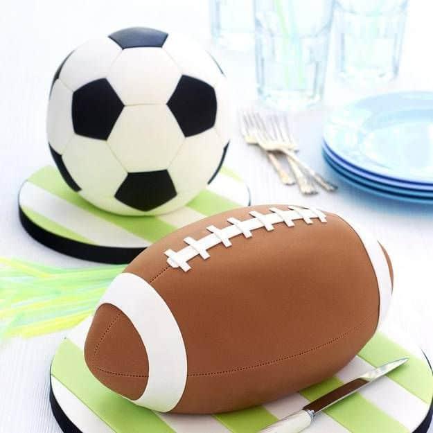 Sur Pinterest Gâteau ballon de foot : comment faire un gâteau en forme de ballon de
