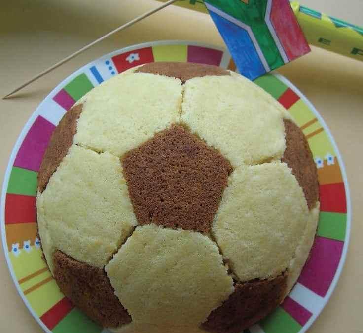 Sur Pinterest Parfait pour une fête d'anniversaire autour du thème «football».