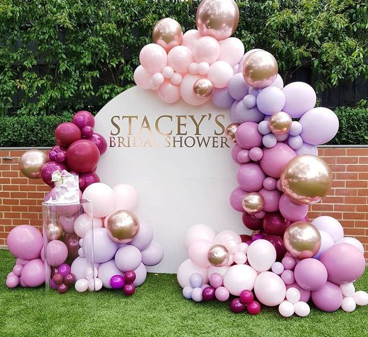 Sur Pinterest What an explosion of colors for this joint birthday party