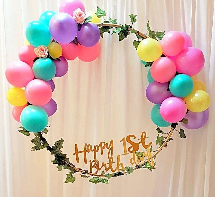 Sur Pinterest ballon cerceau deco 1 an anniversaire