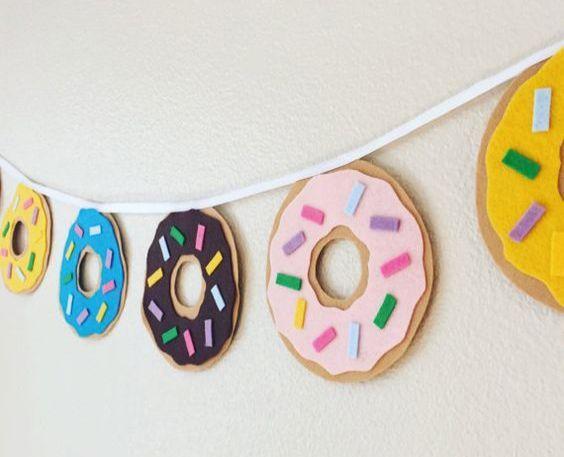 Sur Pinterest Penitent Party Crafts Preschool #partykids #DinnerPartyGames