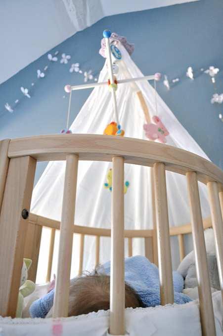 lit stokke sleepi mini les accrosp cialistes. Black Bedroom Furniture Sets. Home Design Ideas