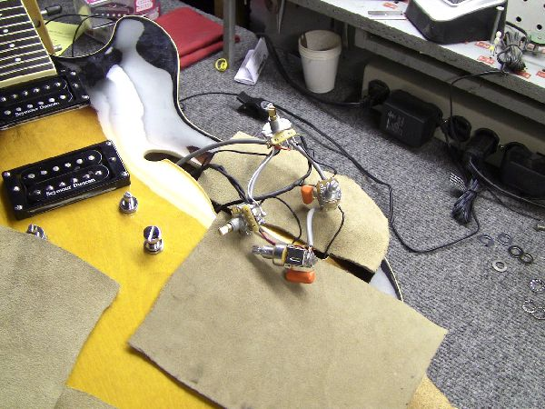 The Ground Wire From The Bridge Pickup Does Not Need To Be Switched In