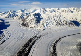 Phee Hudson: Flying into Kluane Nat Park Yukon