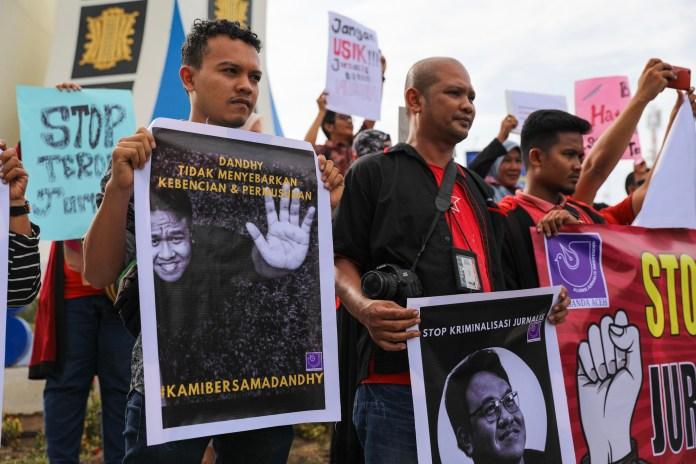 Jurnalis Aceh Gelar Aksi Tuntut Polisi Bebaskan Dandhy Laksono dari Status Tersangka
