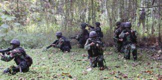 Anggota TNI dari pasukan Rajawali saat Darurat Militer di Aceh