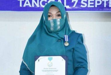 Puan Ratna Raih Penghargaan Tertinggi BKKBN, Dedikasi Atas Pengendalian Penduduk di Aceh Tengah