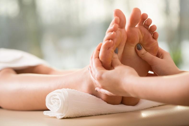 reflexologia podal escucho y masajeo en ACEIM