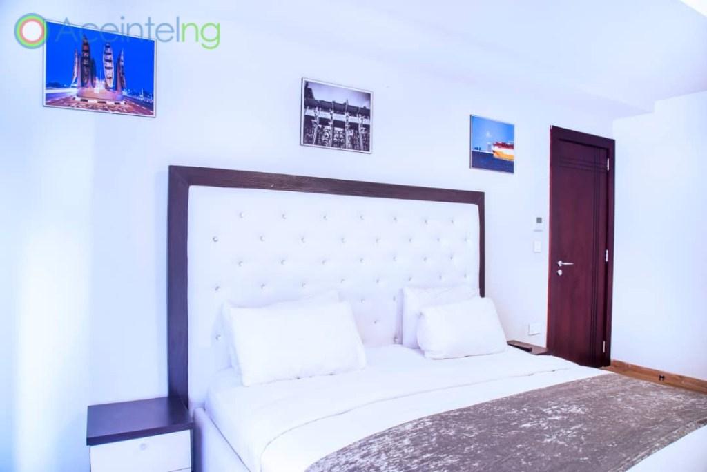 2 bedroom apartment for short let in Eko atlantic city - bed view