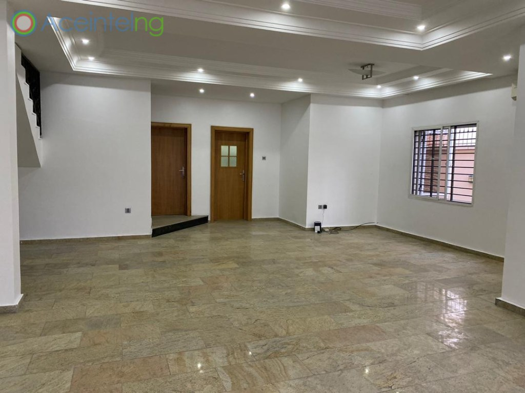 4 bedroom terrace duplex for rent in lekki phase 1 lagos - living room