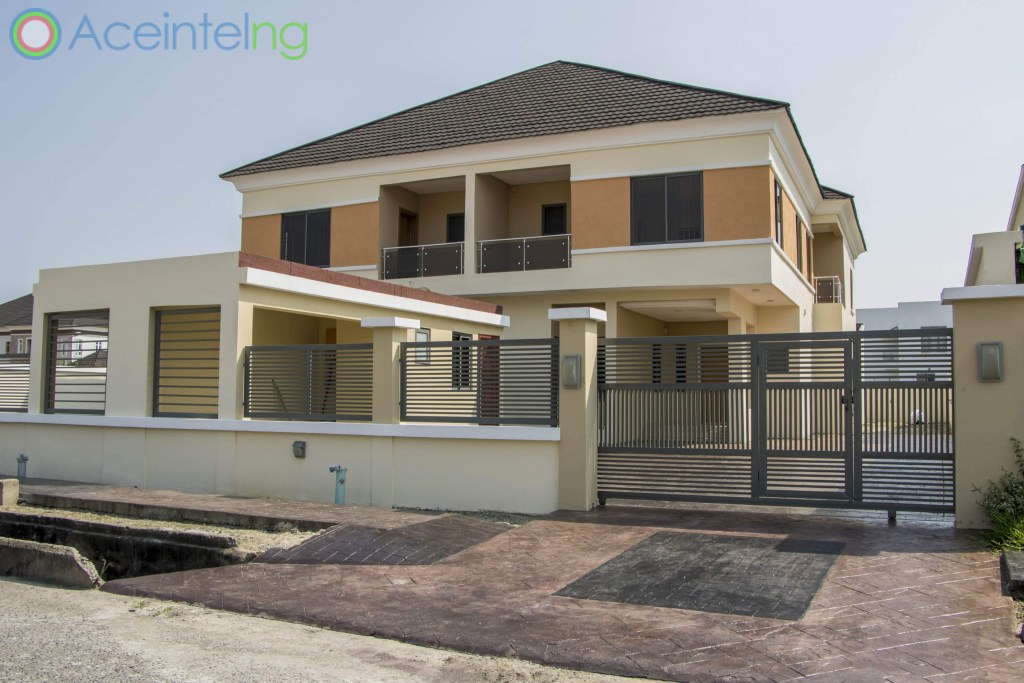4 bedroom Semi detached duplex for sale in pinnock beach osapa lekki lagos - front view