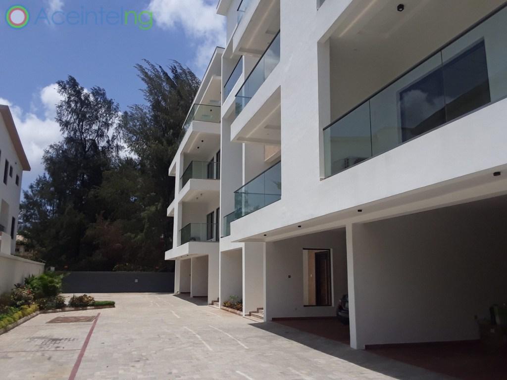 5 bedroom duplex for sale in banana Island ikoyi Nigeria