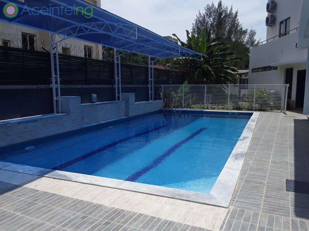 5 bedroom duplex for sale in banana Island ikoyi - swming pool