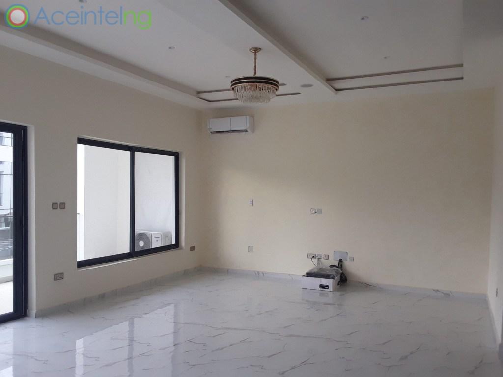 5 bedroom duplex for rent in banana Island ikoyi - living room