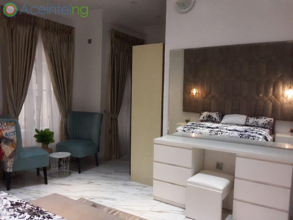 5 bedroom duplex for shortlet in chevron lekki lagos - bed view