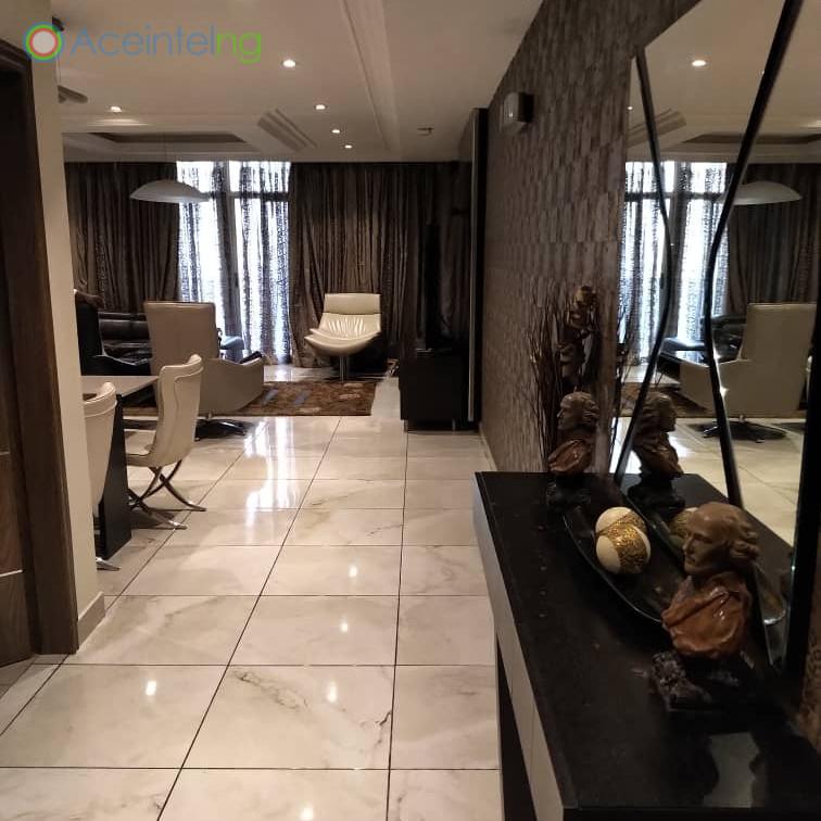 3 bedroom flat for short let in 1004 VI - Entrance