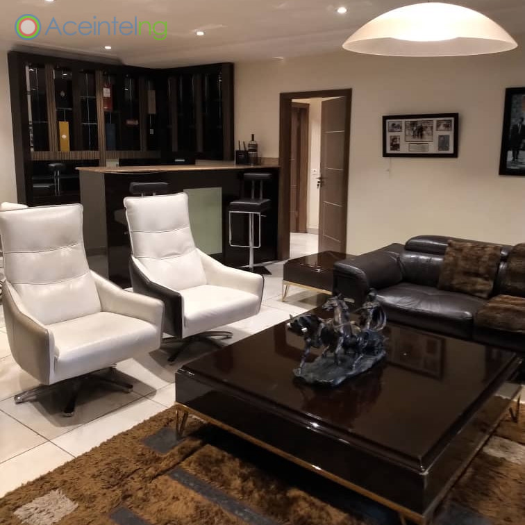 3 bedroom flat for short let in 1004 VI