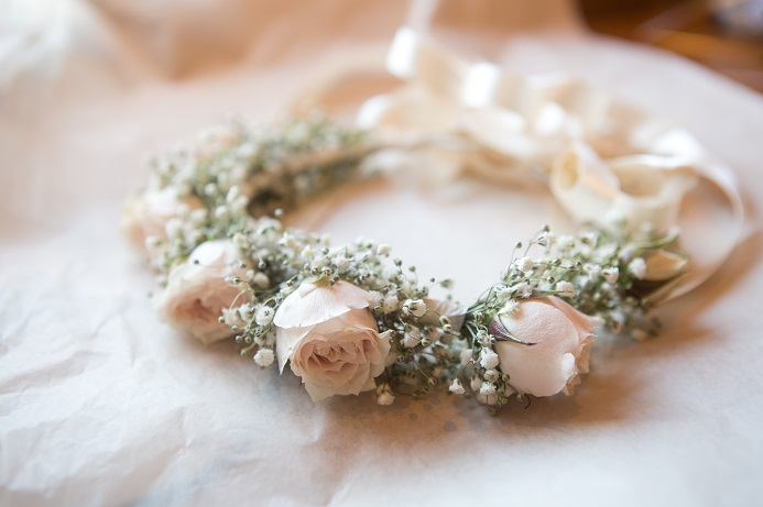 flower-girl-crown-roses-babys-breath