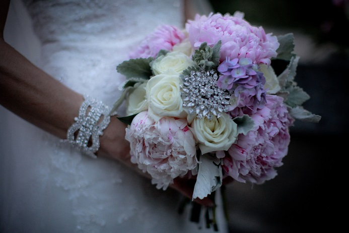 pink-peony-white-rose-bridal-bouquet