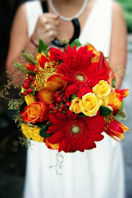 red-gold-bridal-bouquet
