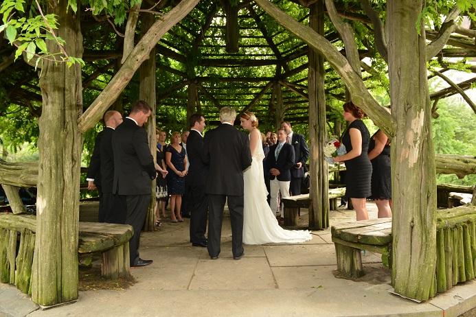 cop-cot-wedding-central-park