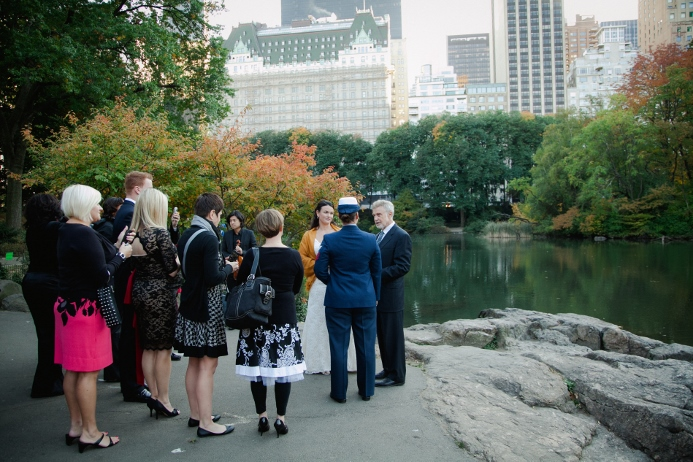 fall-wedding-central-park-nyc-skyline