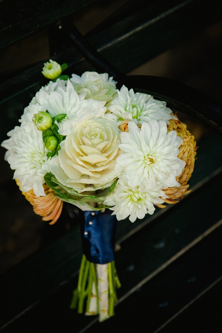 white-orange-fall-wedding-bouquet