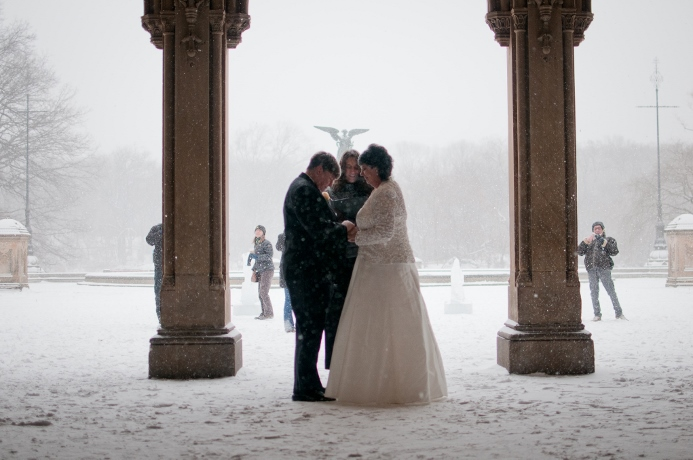 central-park-winter-wedding-ceremony-bethesda-fountain