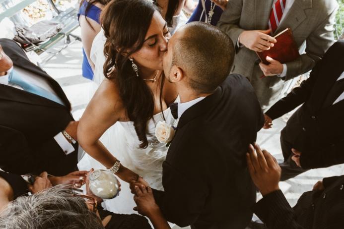 first-kiss-central-park-wedding