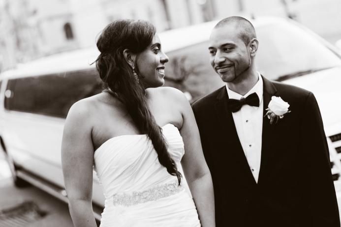 nyc-wedding-photo-white-limo