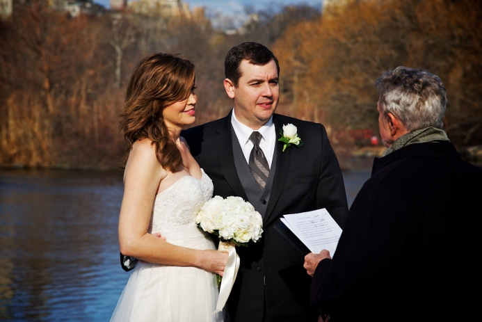 winter-elopement-at-bow-bridge-1