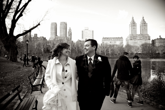winter-elopement-at-bow-bridge-10