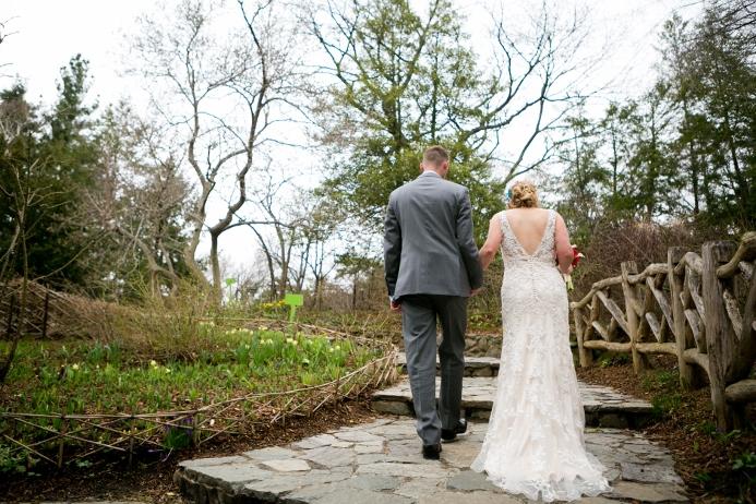 intimate-wedding-at-shakespeare-garden (18)