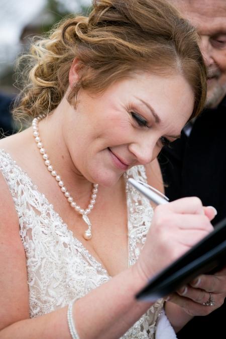 intimate-wedding-at-shakespeare-garden (5)