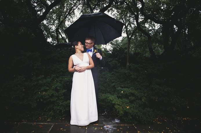 rainy-wedding-conservatory-garden (11)