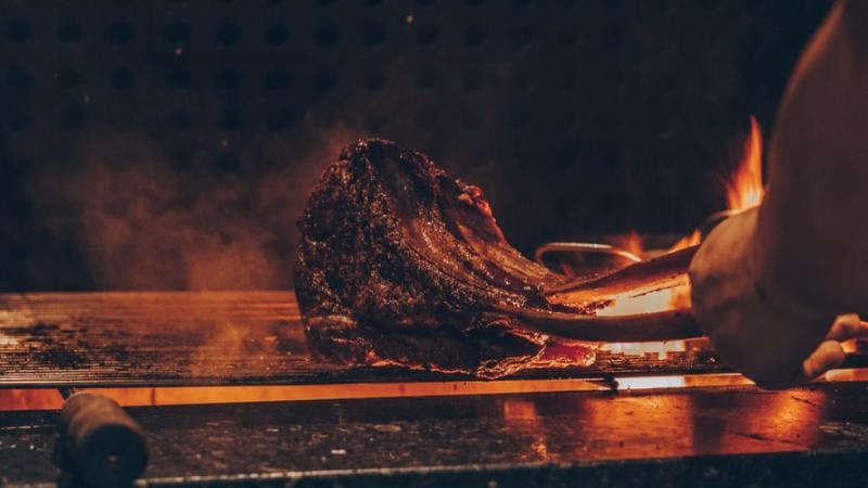 grill bone-in prime rib