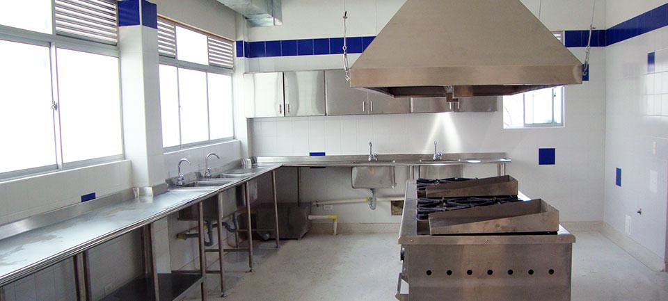 Muebles Cocinas y Divisiones para Bao en Acero
