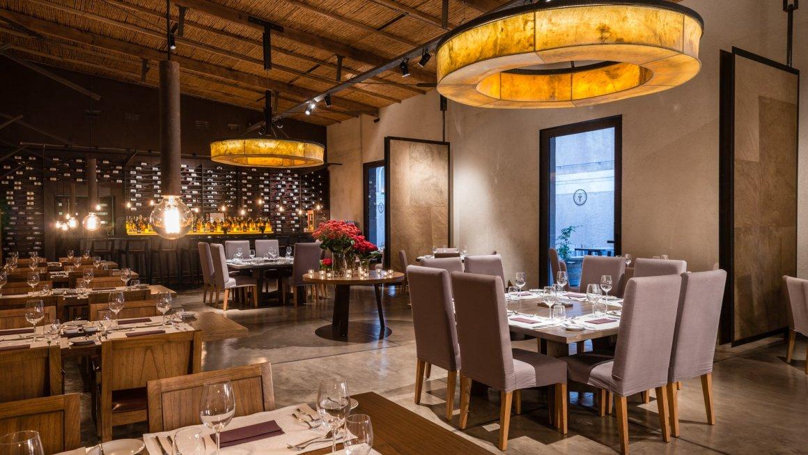Abrasado Restaurante reabre sus puertas 2