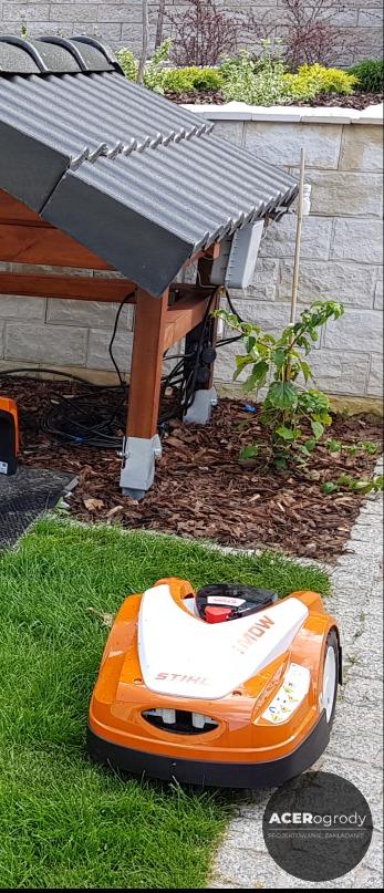 robot do koszenia trawnika